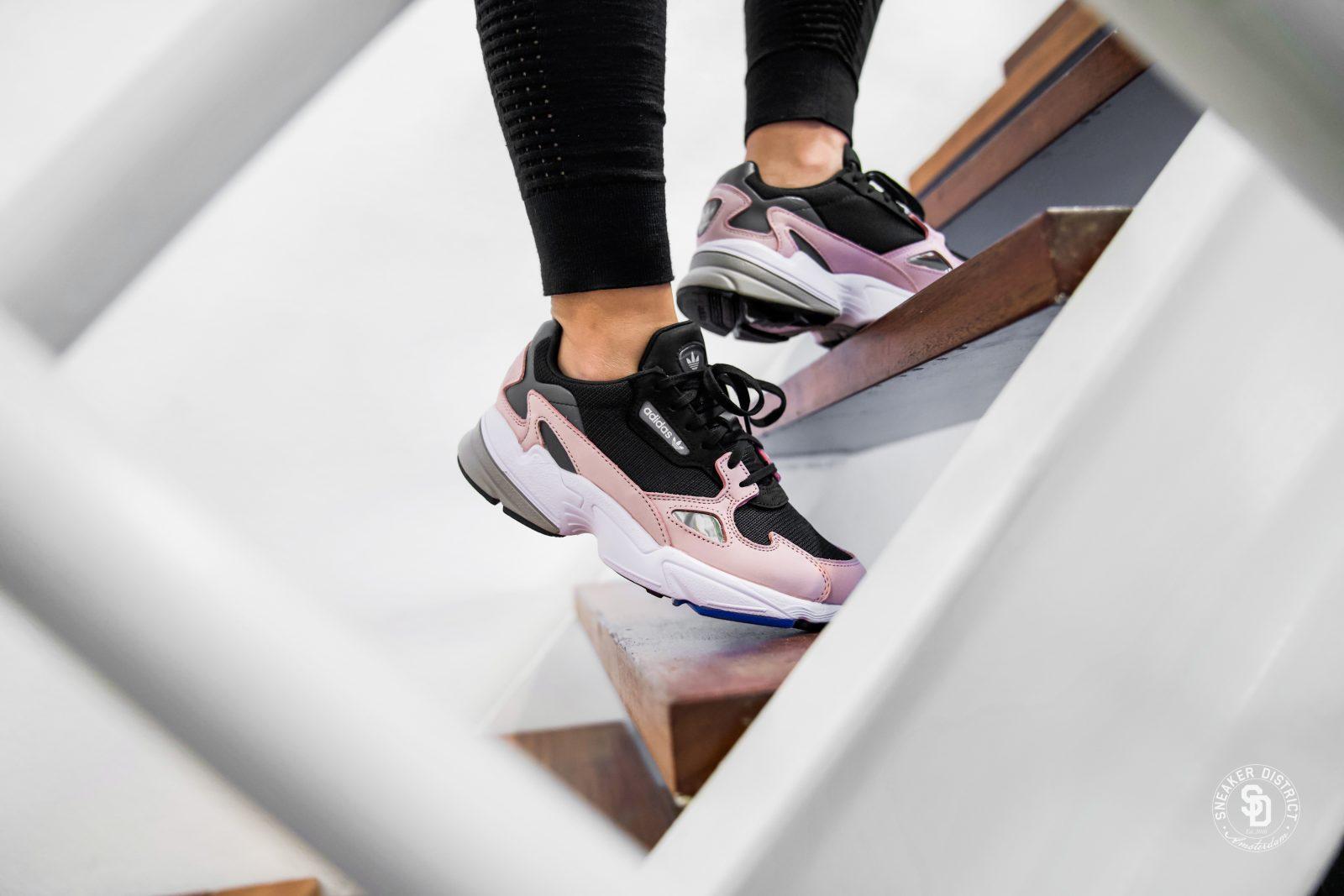 Sneaker District