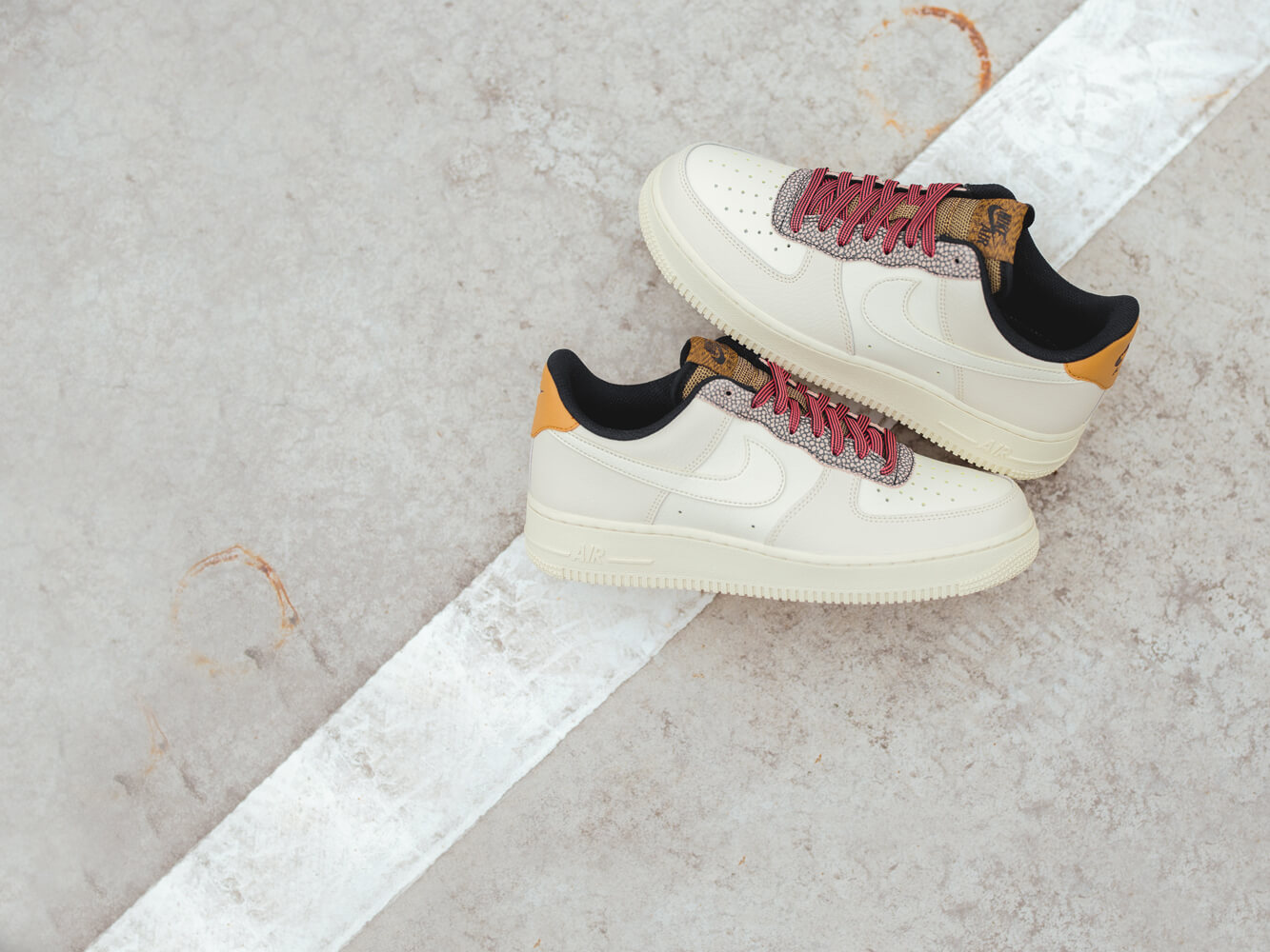 AIR MAX 720 Sneaker low phantomsummit whiteelectric